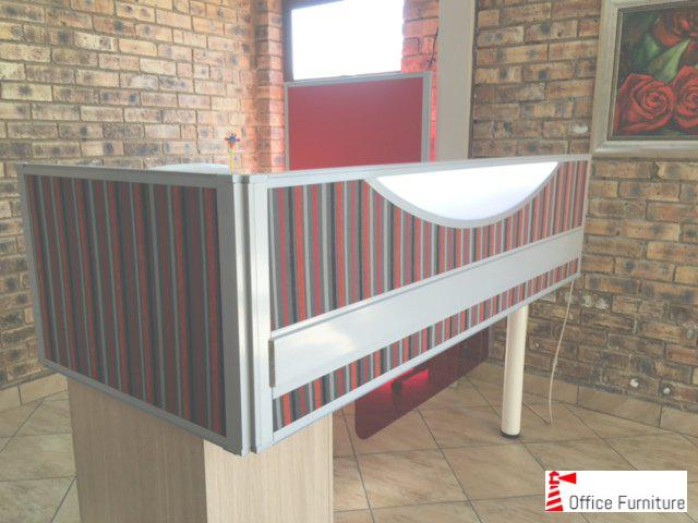 Custom made Power reticulation desk screen